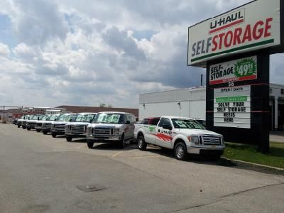 U Haul of Western Ontario, Fairway Road, Kitchener, Shingle