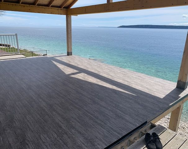 Tufdek Waterproof Vinyl Decking, Lions Head